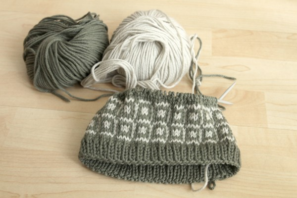 Stranded knitting headwarmer